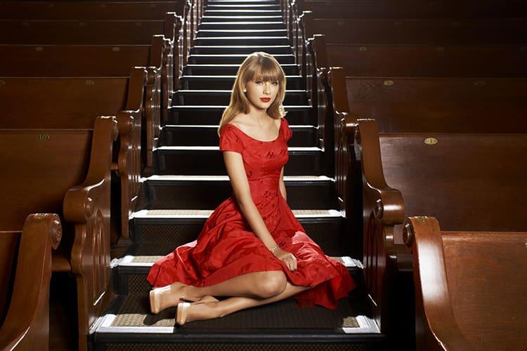 Taylor Swift Fashion Profile