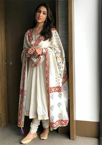 Sara Ali Khan in Sukriti And Aakriti Dress
