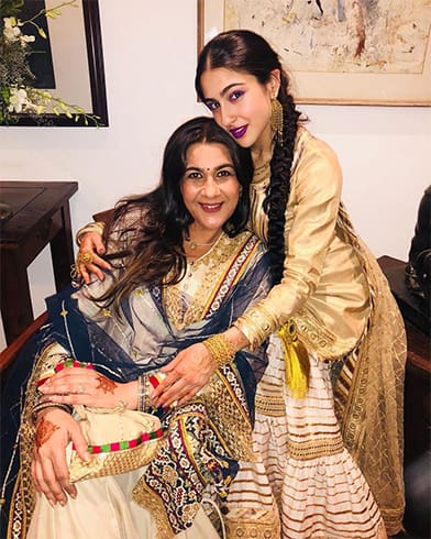 Sara Ali Khan With MoM Amrita Singh