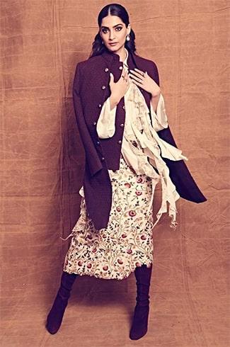 Sonam Kapoor inAnamika Khanna label Dress