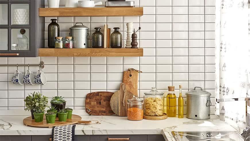 De-cluttering Kitchen
