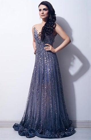 Radhika Madan at Filmfare Awards 2019