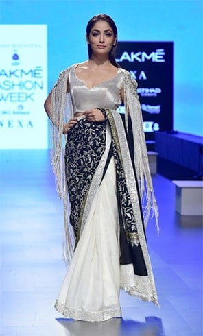 Yami Gautam in Manish Malhotra at LFW 2018
