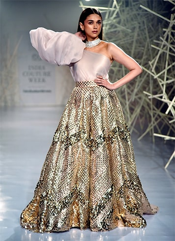 Aditi Rao Hydari Walks For Pankaj and Nidhi