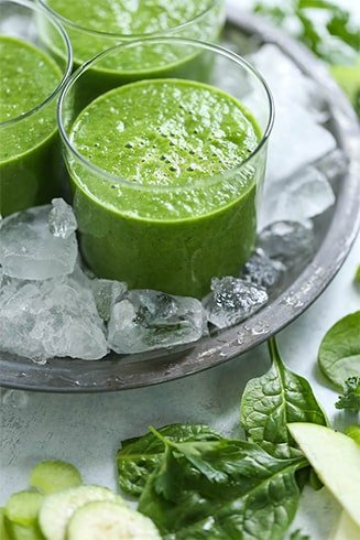 Green Apple Kale and Chia Seeds Detox Smoothie