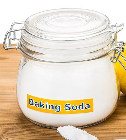 Baking Soda for Flake-Free Scalp