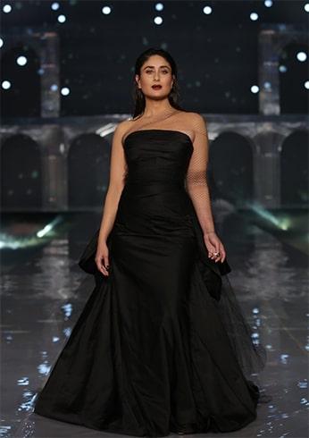 Kareena Kapoor Khan at Lakme Fashion Week Winter Festive 2019