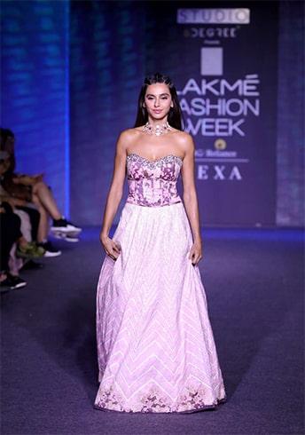 Shibani Dandekar at Lakme Fashion Week Winter Festive 2019