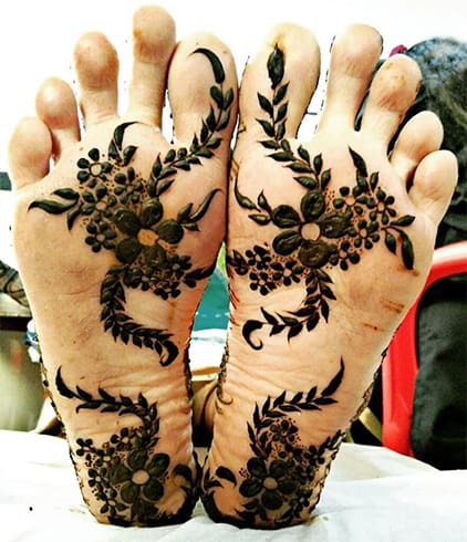Mehndi on Bottom of the Foot