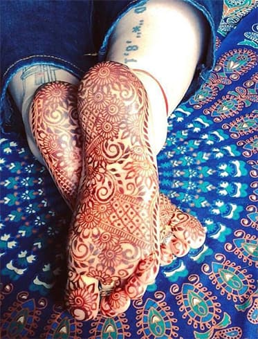 Sole of Foot Mehndi Designs