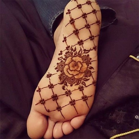 Soles of Feet Henna Designs