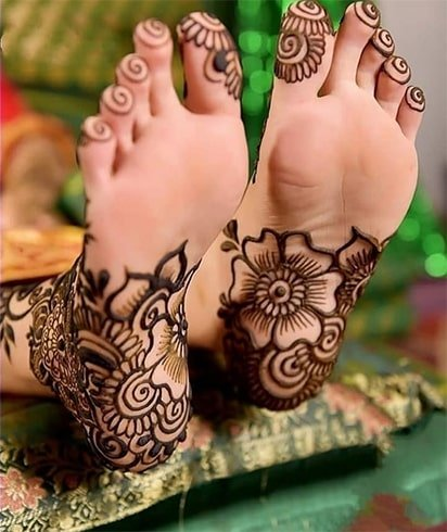 Soles of Feet Mehndi Designs