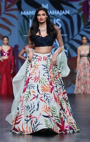 Athiya Shetty Lotus Makeup India Fashion Week Spring Summer 2020