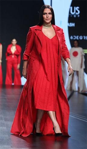 Neha Dhupia Lotus Makeup India Fashion Week Spring Summer 2020