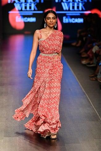 Shobhita Dhulipala Lotus Makeup India Fashion Week Spring Summer 2020