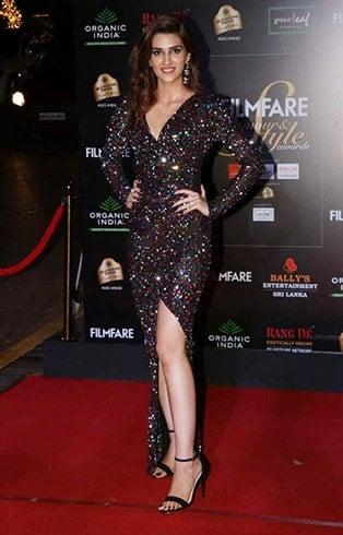 Kriti Sanon at Filmfare Glamour and Style Awards 2019