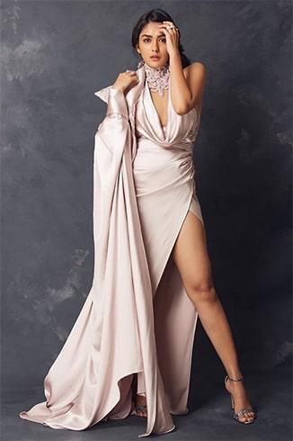 Mrunal Thakur at Vogue Nykaa Fashion Awards